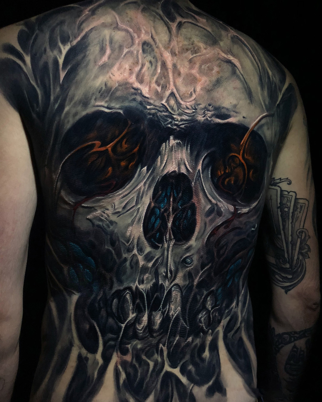 Scary tattoo - Skull on the whole back