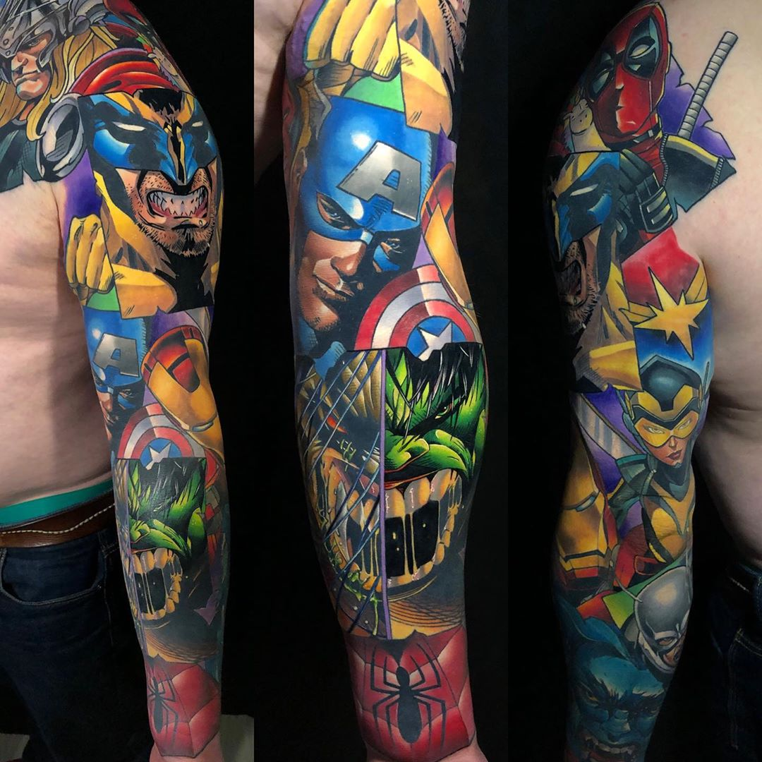 Sleeve in the style of marvel comics with super heroes